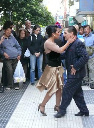 Tanz der Flexibiltät - Tango in Buenos Aires