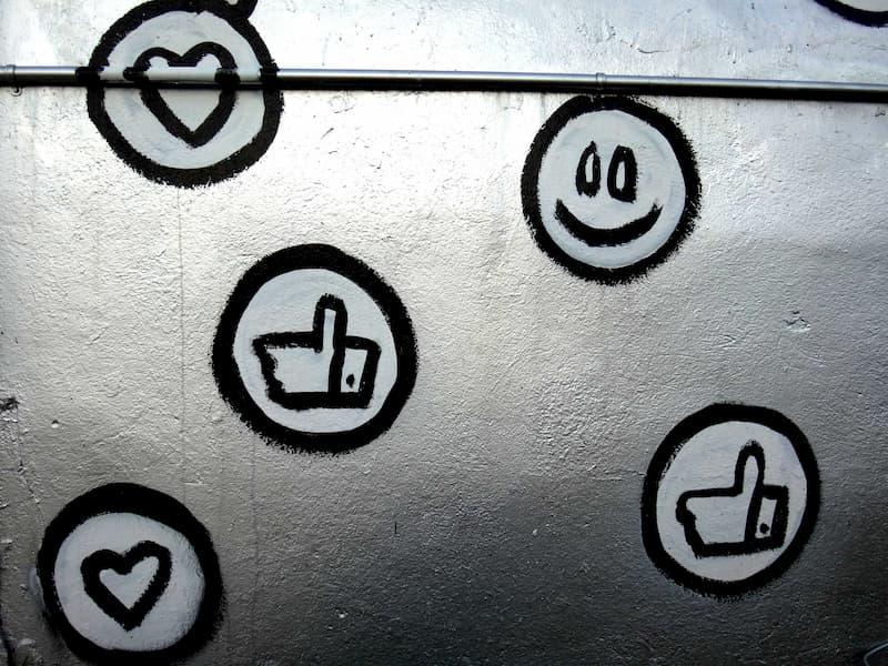 Freunde im Lockdown: Likes und Smilies sind wichtig
