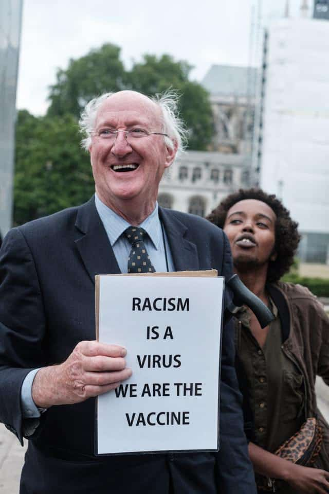 Freundschaft bedeutet offen auf andere zugehen: Rassismus ist ein Virus. Wir sind der Impfstoff